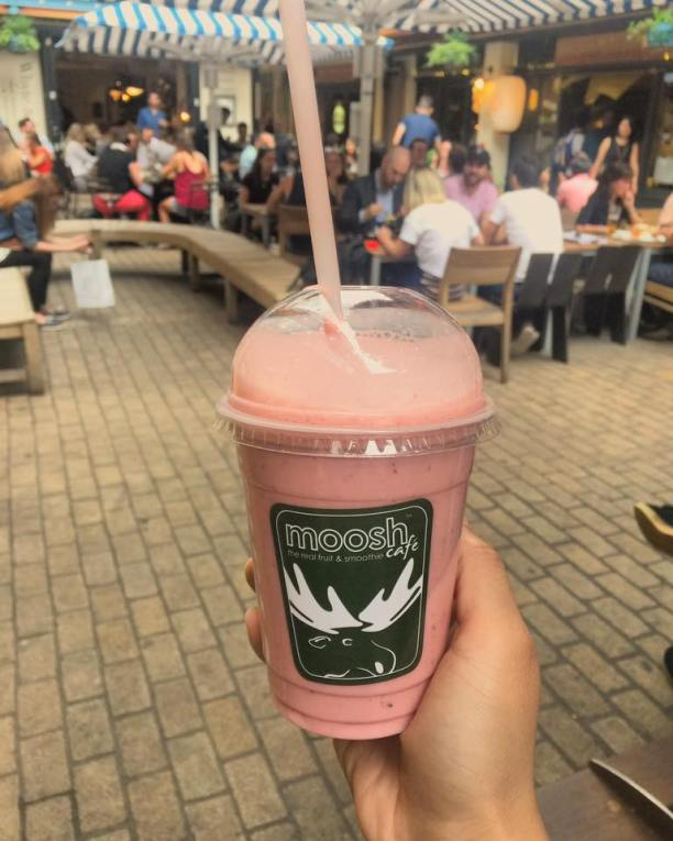 Strawberry and Blueberry Smoothie @Mooshy, Carnaby Street
